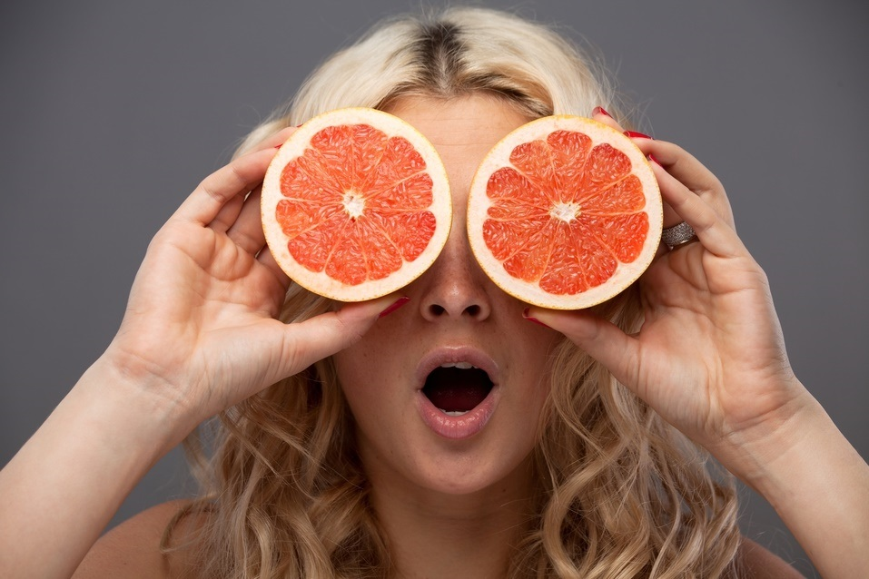 young-woman-beauty-grapefruit-concept_luke-francis