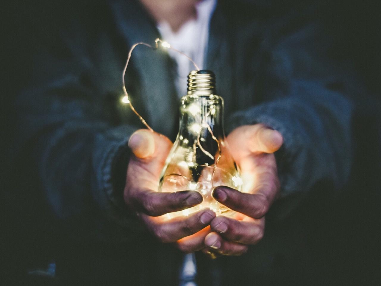lightbulb_luke-francis-writer